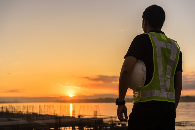 Osservatorio sul precariato INPS, tutti i dati 2020: calo dei contratti a termine, cresce apprendistato